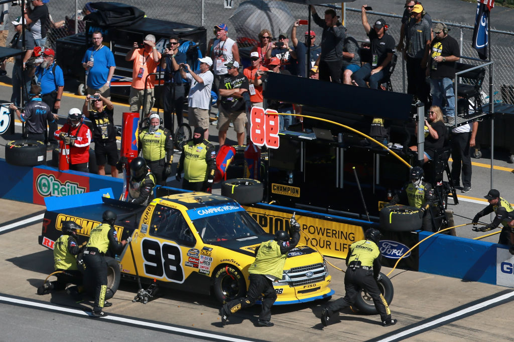 nascar pit crews start at the bottom of the food chain