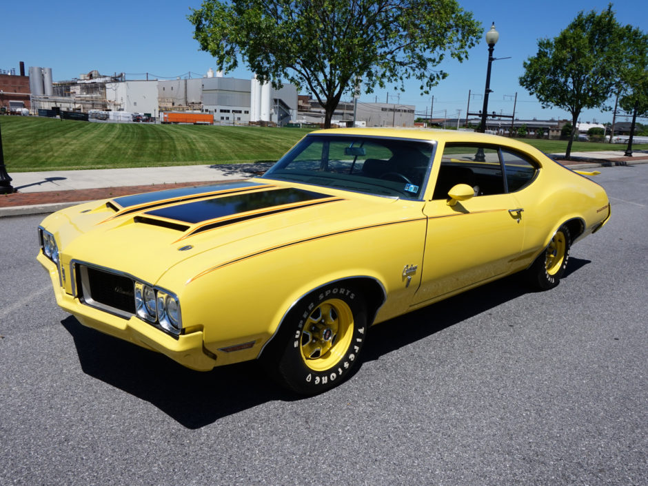 1970_oldsmobile_rallye_350_cutlass_s_holiday_coupe_1529424289208495d56DSC06083-940x706