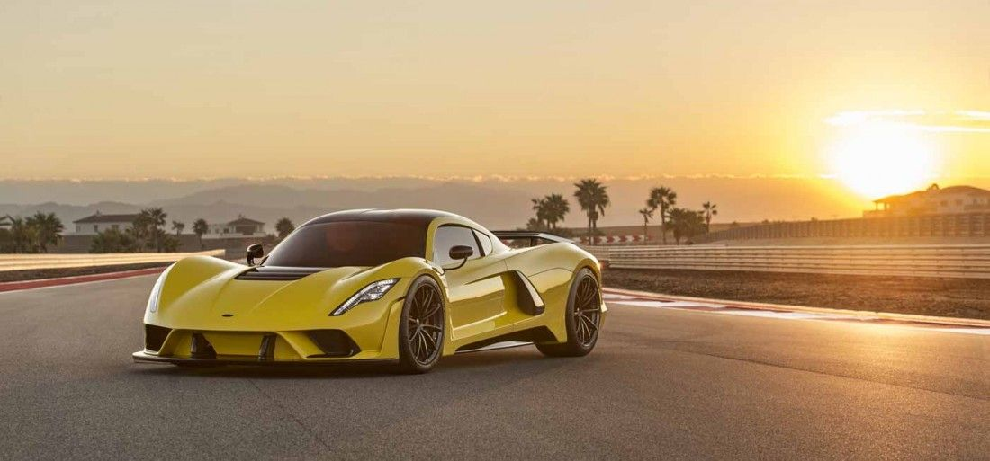 hennessey-venom-f5-could-become-the-fastest-car-ever-1400x653-1510052837_1100x513