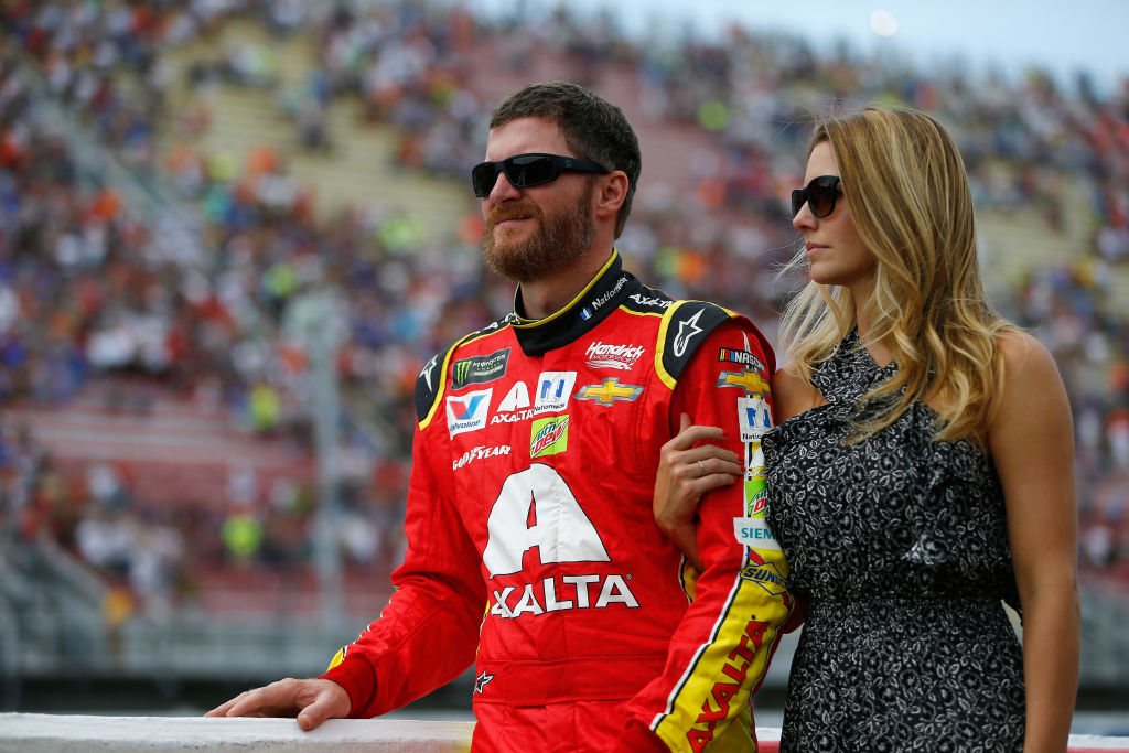 in 2019 dale earnhardt jr and his family survived a scary plane crash