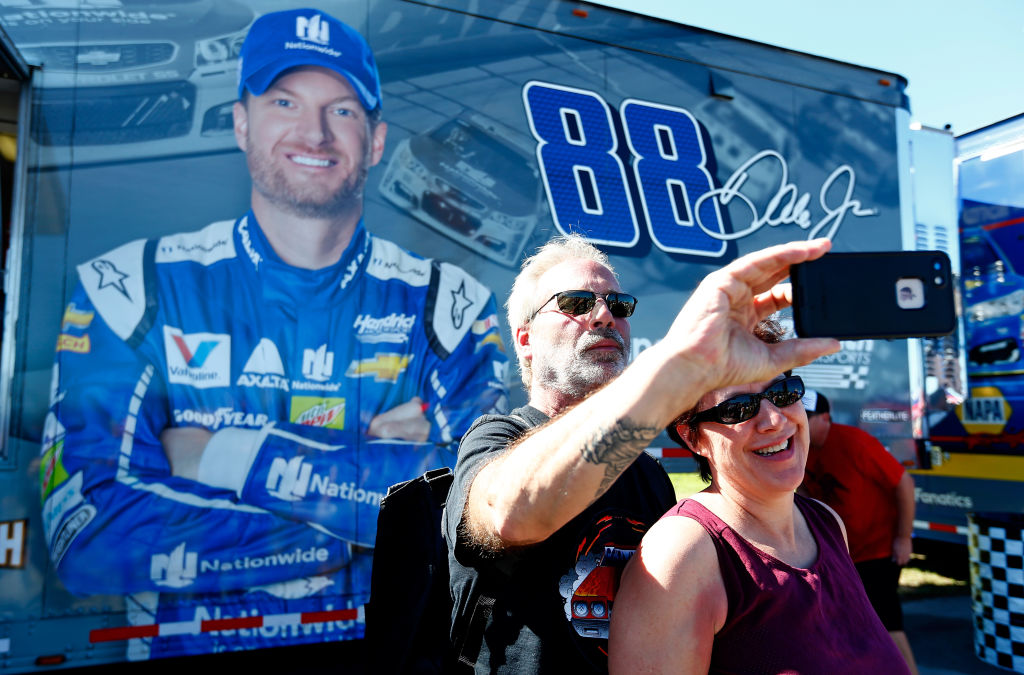 dale earnhardt jr is one of the most popular nascar drivers of all time
