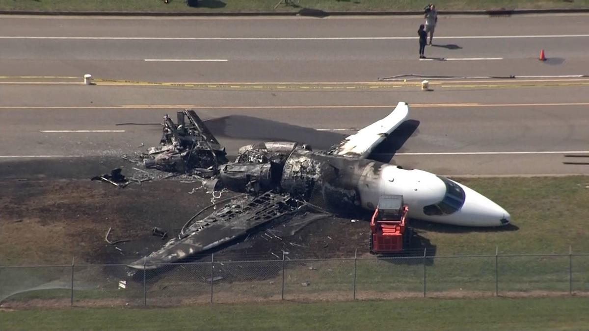 the plane that crashed with dale earnhardt jr and his family onboard