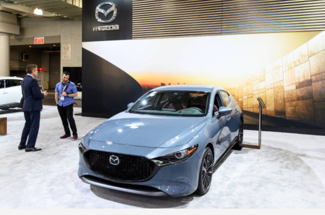 MAZDA MAZDA3 new features
