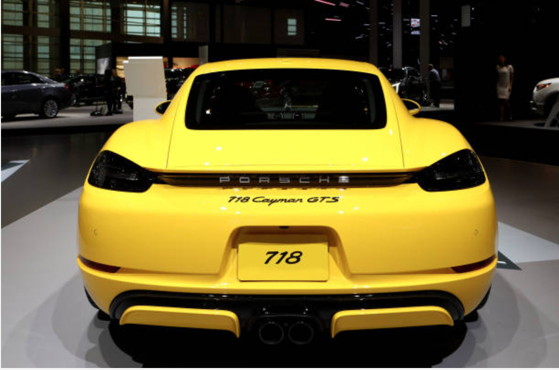 Porsche 718 Cayman new features