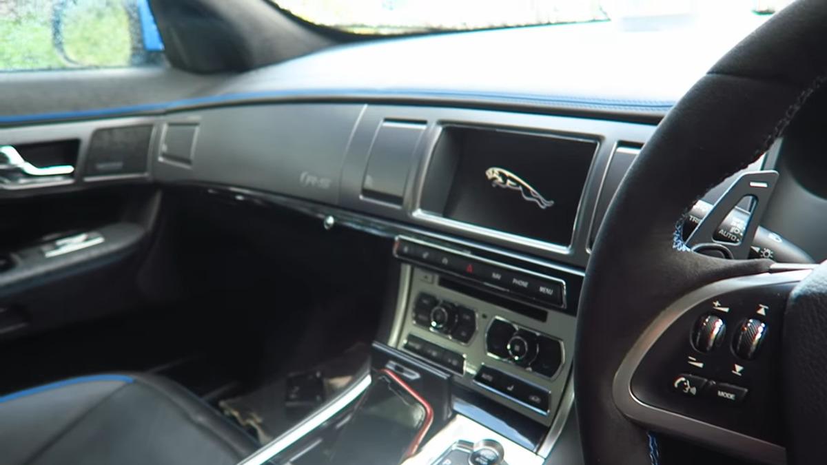 interior of the jaguar xfr-s