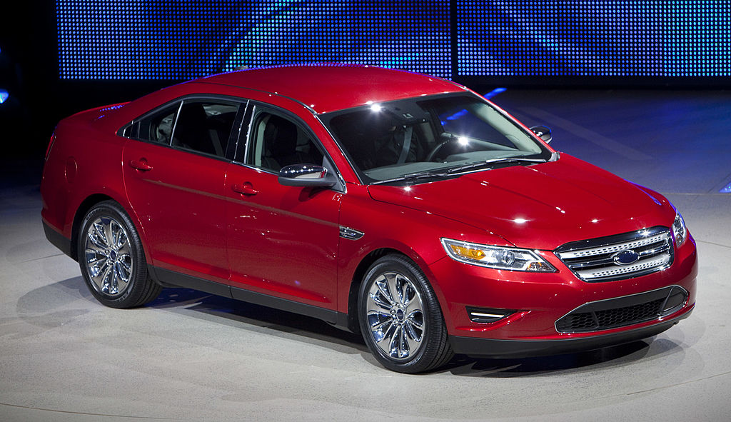 the ford taurus is being discontinued