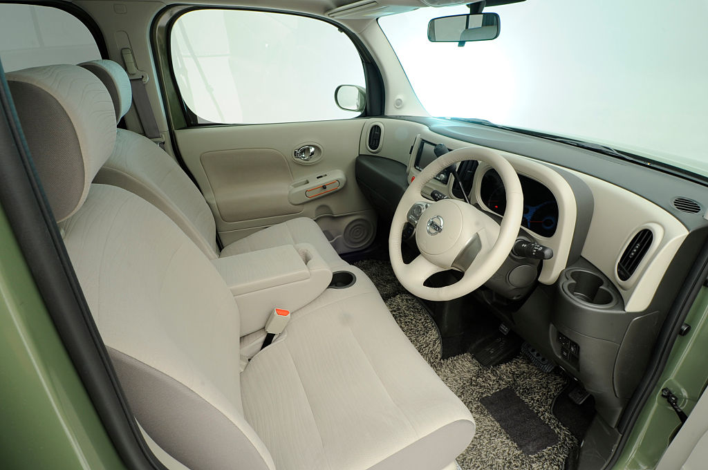 interior of the nissan cube