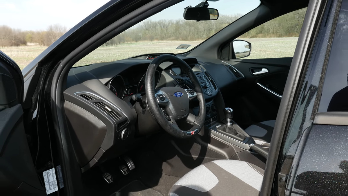 interior of a ford focus st