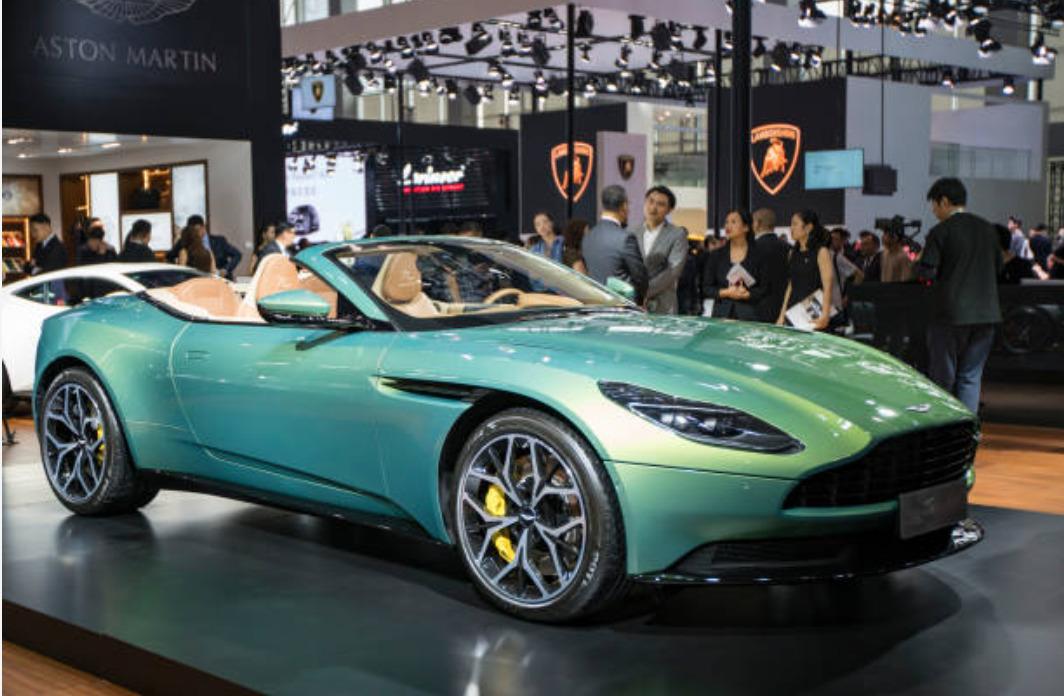 Aston Martin Mirage Volante 2