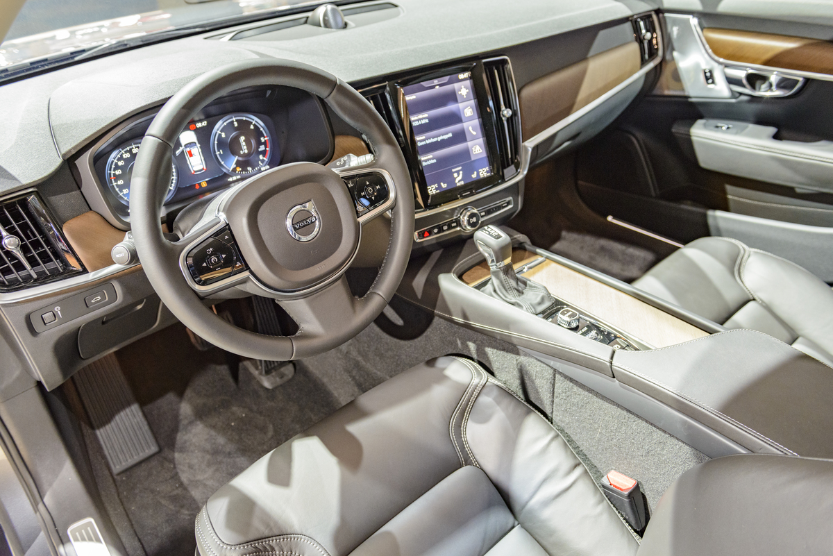 Interior and dashboard on a Volvo V90