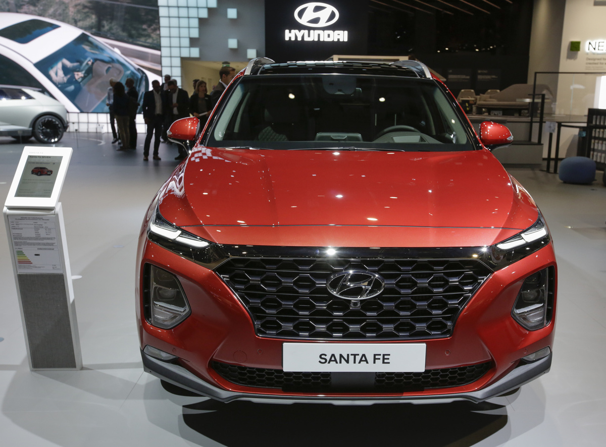The South-Korean car manufacturer Hyundai displays the Hyundai Santa