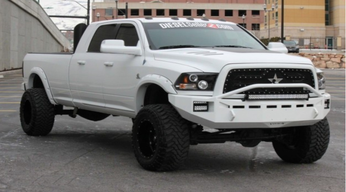 White Dodge Ram 3500 Cummins Lifted - Dodge Ram 3500 Turbo Diesel Lifted With Stacks