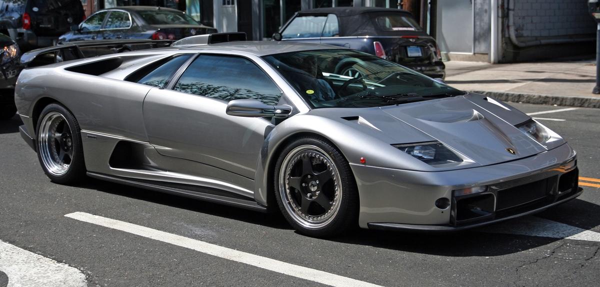 silver Lamborghini Diablo