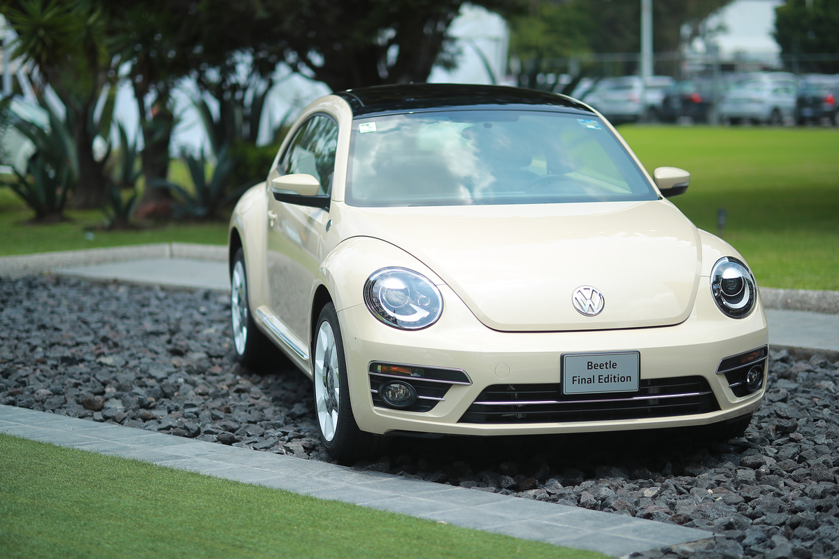 Volkswagen Ceases The Production of The Popular 'Beetle' After 21 Years
