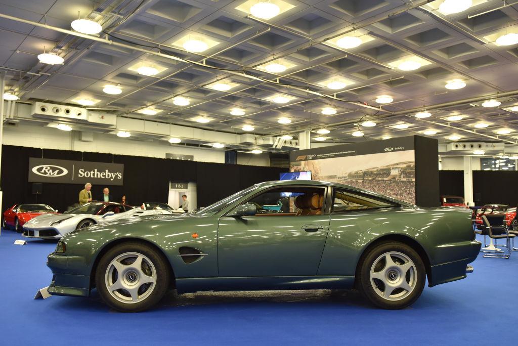 A 1999 Aston Martin Vantage Le Mans V600