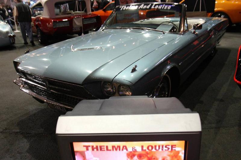 1966 Thunderbird-79088606