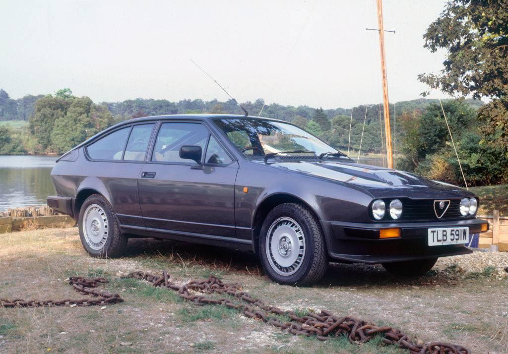 bond car-1181830621