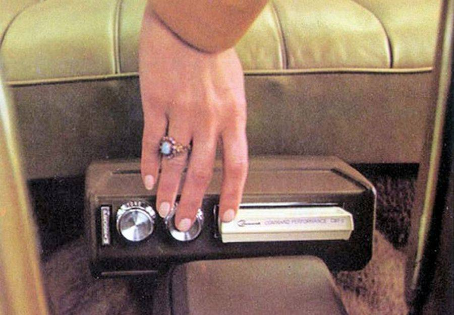 GM-Accessory-Catalog-8-track-player