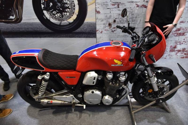 honda cb1100 bike