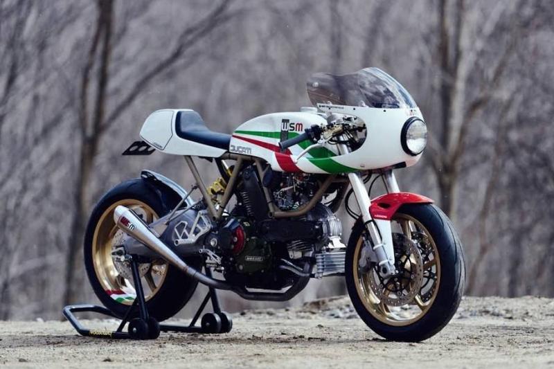 ducati 900 bike
