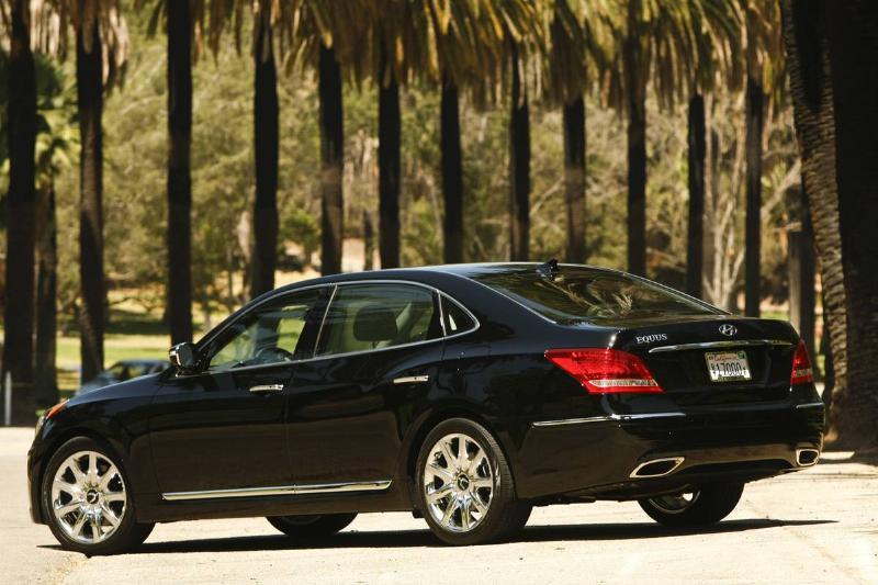 A black Hyundai Equus drives through Los Angeles.