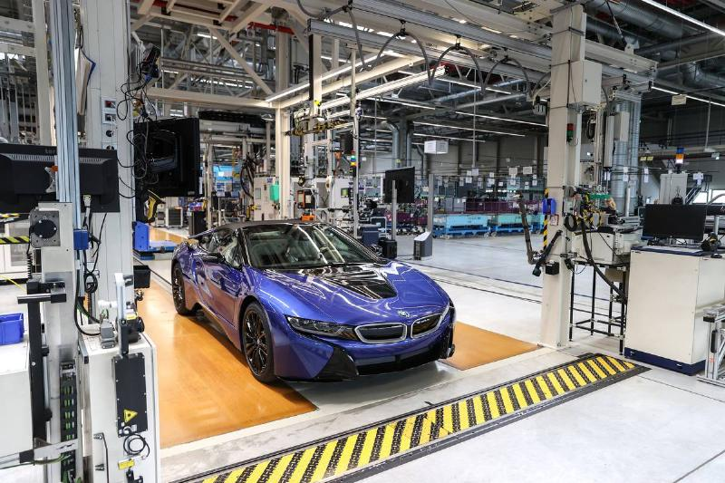 The last BMW i8 rolls off the production line