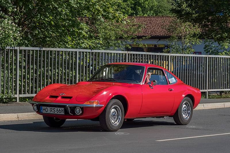 800px-Opel_GT_red_17RM0451