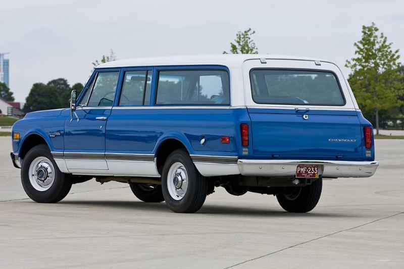 1972_Chevrolet_Suburban_3