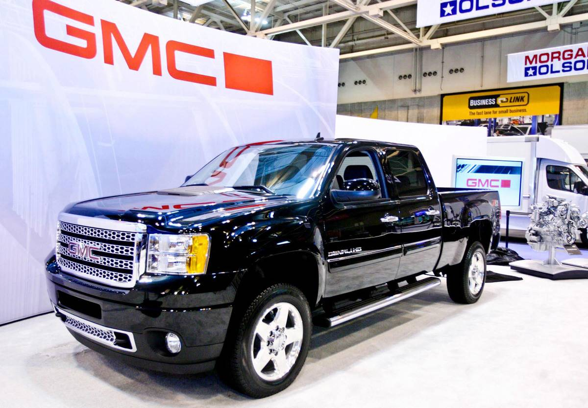 2011 GMC Sierra Denali HD Unveiled