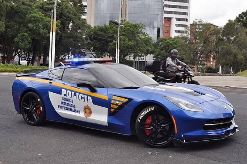 800px-Corvette_C7_PNC_Guatemala_City