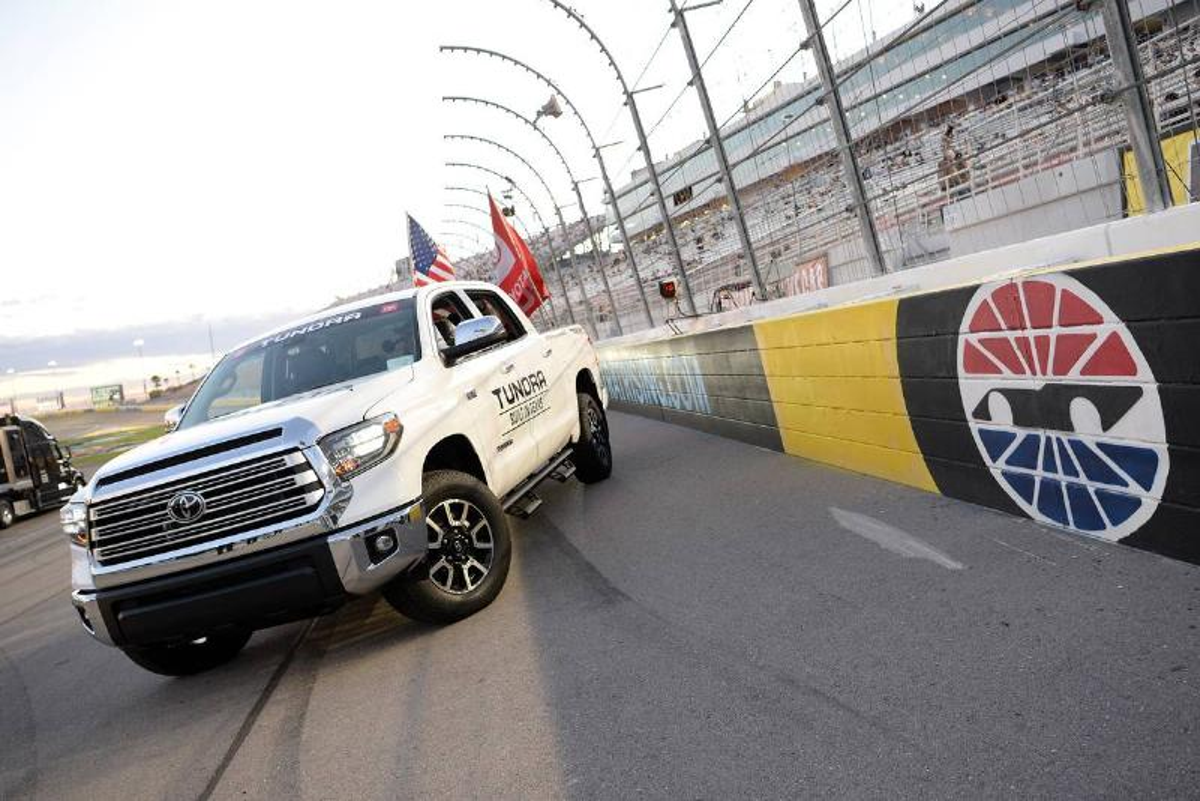 AUTO: FEB 21 NASCAR Gander RV & Outdoors Truck Series - Strat 200