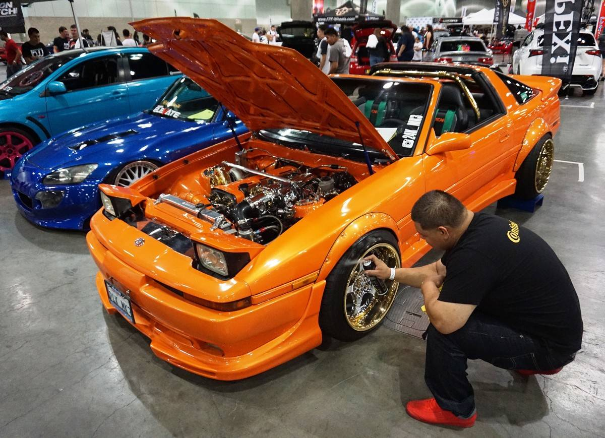 AutoCon automobile fair in Los Angeles