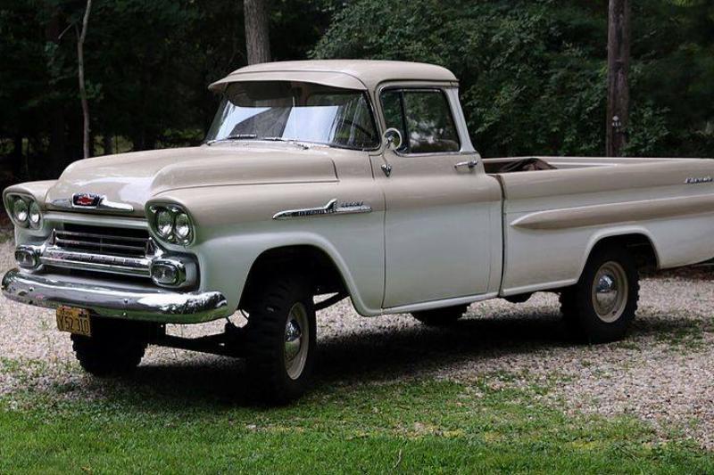 1958_Chevrolet_Apache_4WD_pickup_truck_(NAPCO)