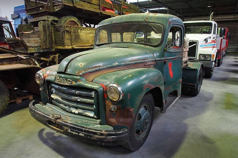 800px-1948_GMC_to_be_restored
