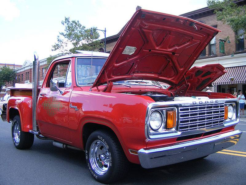 800px-Dodge_Lil_Red_Express