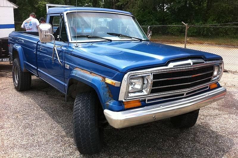 800px-Jeep_J-10_pick-up_blue_f_md