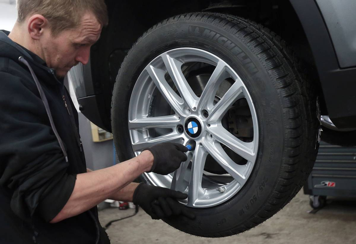 Changing tyres from summer to winter
