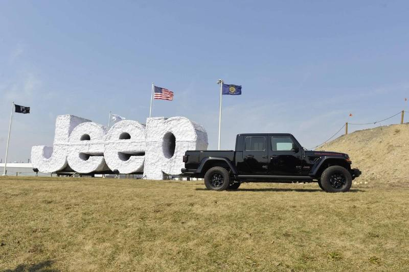 Noah Galloway Helps Launch Jeep Gladiator Launch Edition Truck And Find Your Freedom Contest