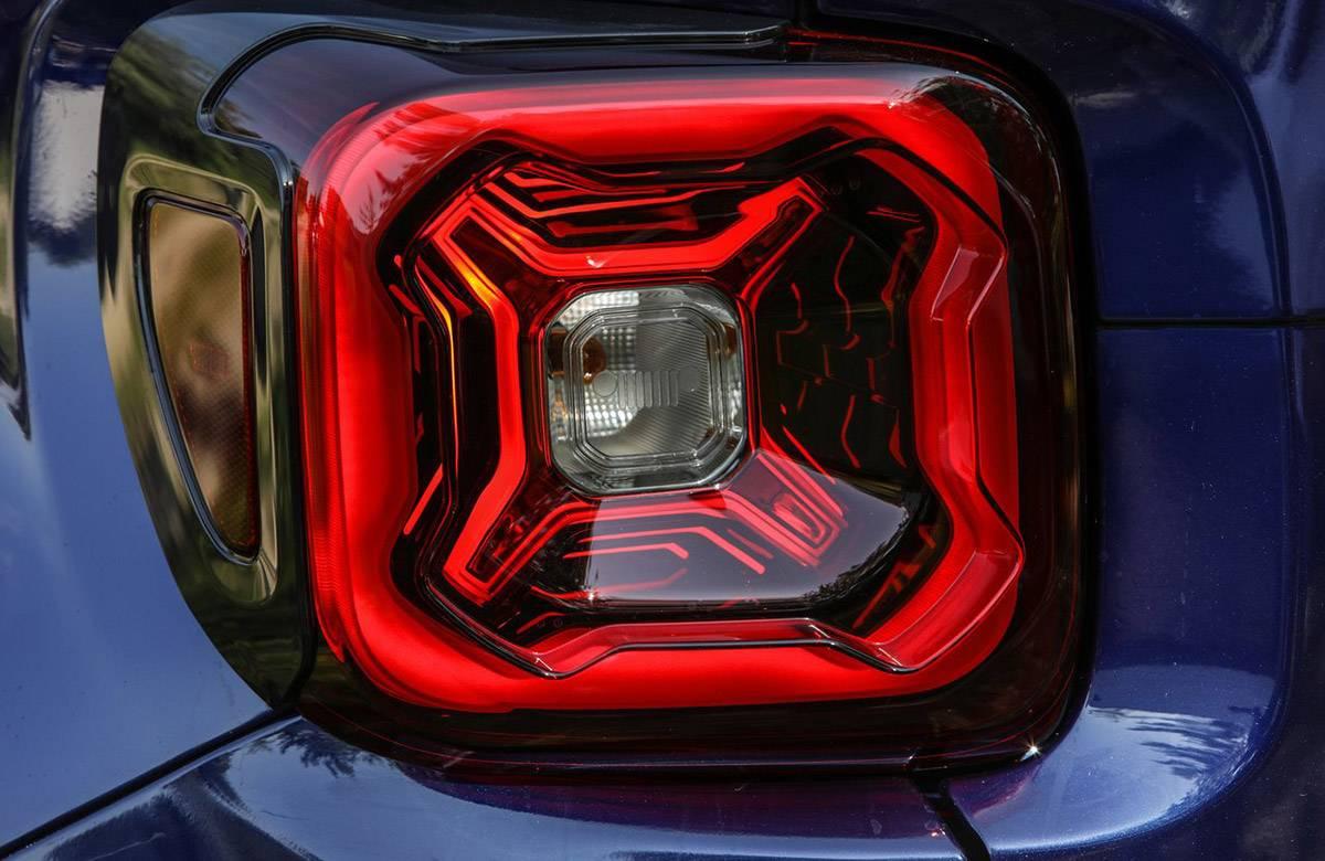 Jeep-Renegade-2019-1280-3b