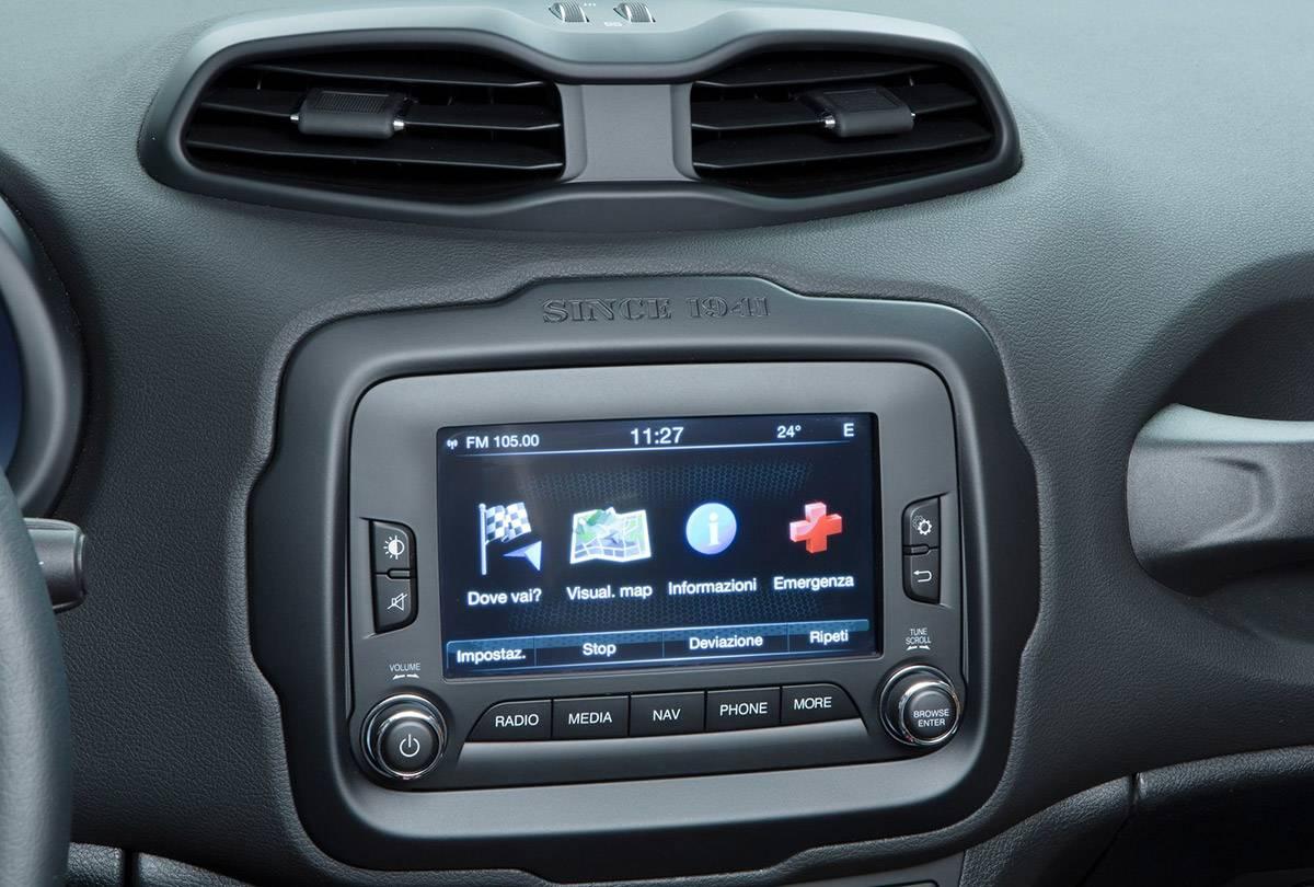 Jeep-Renegade-infotainment