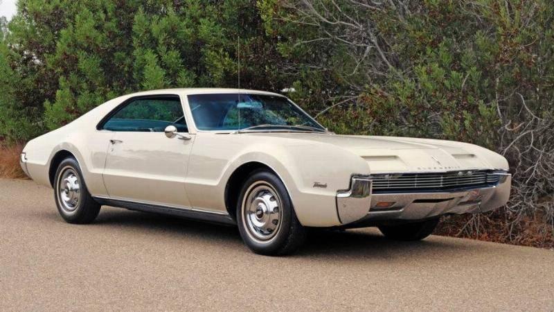 The 1966 Oldsmobile Toronado Had Easy To Enter Passenger Doors