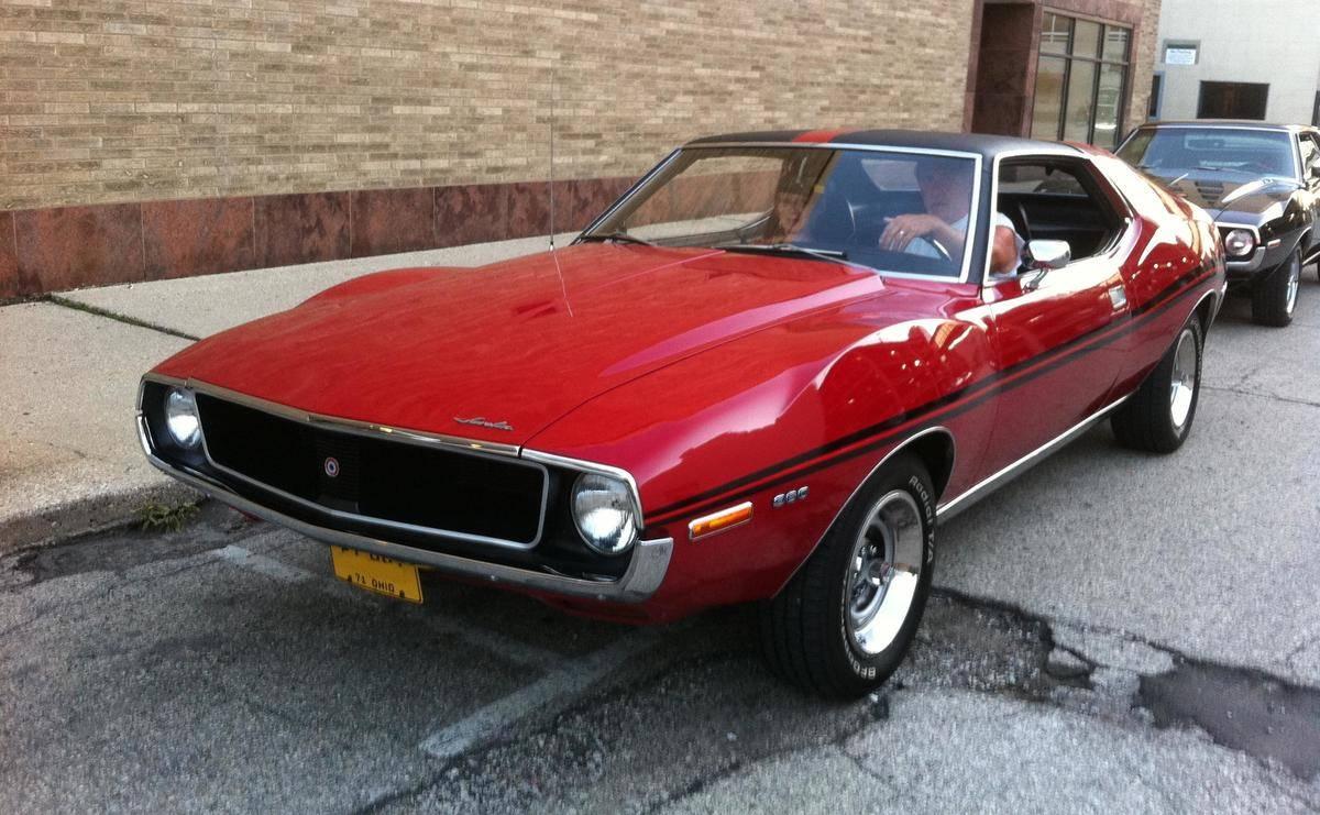1971_AMC_Javelin_SST_red_Kenosha_street.jpg-69805