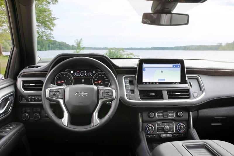 2021-Chevrolet-Suburban-Z71-070