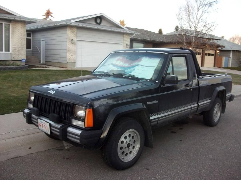 1985- Jeep Comanche