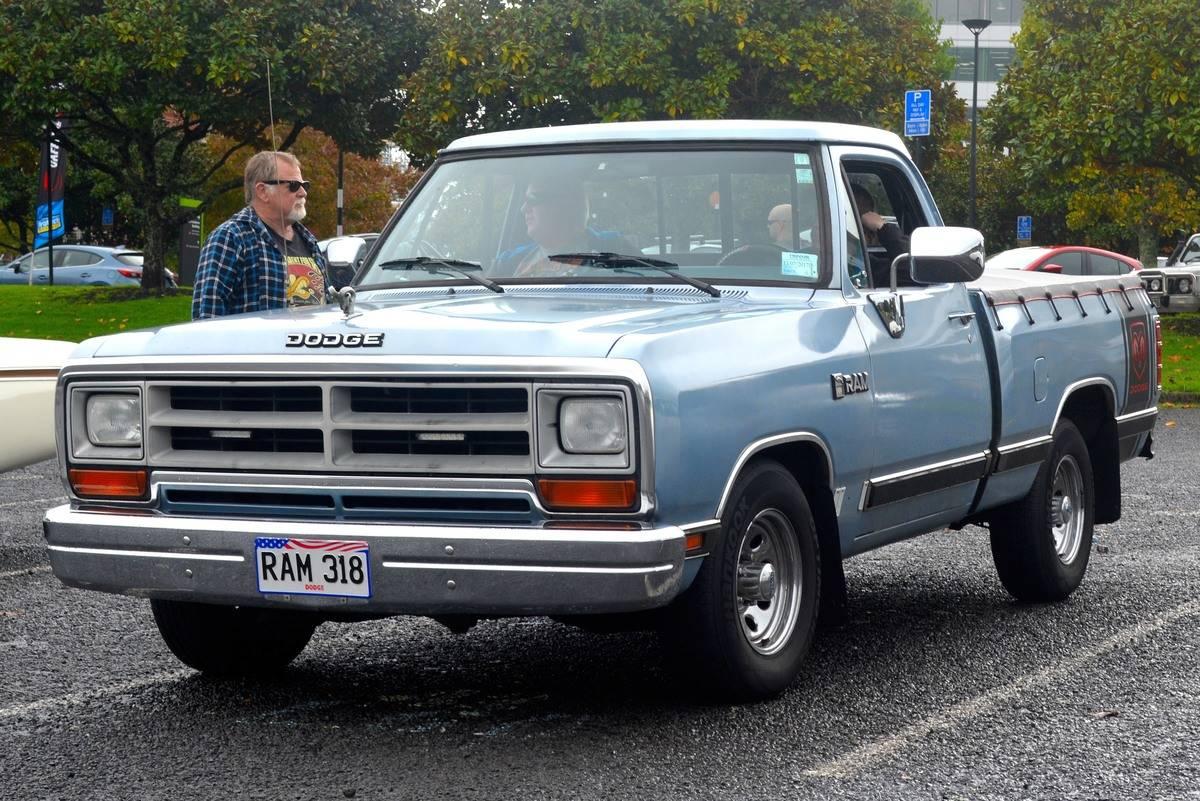 1989- Dodge Ram 5.9