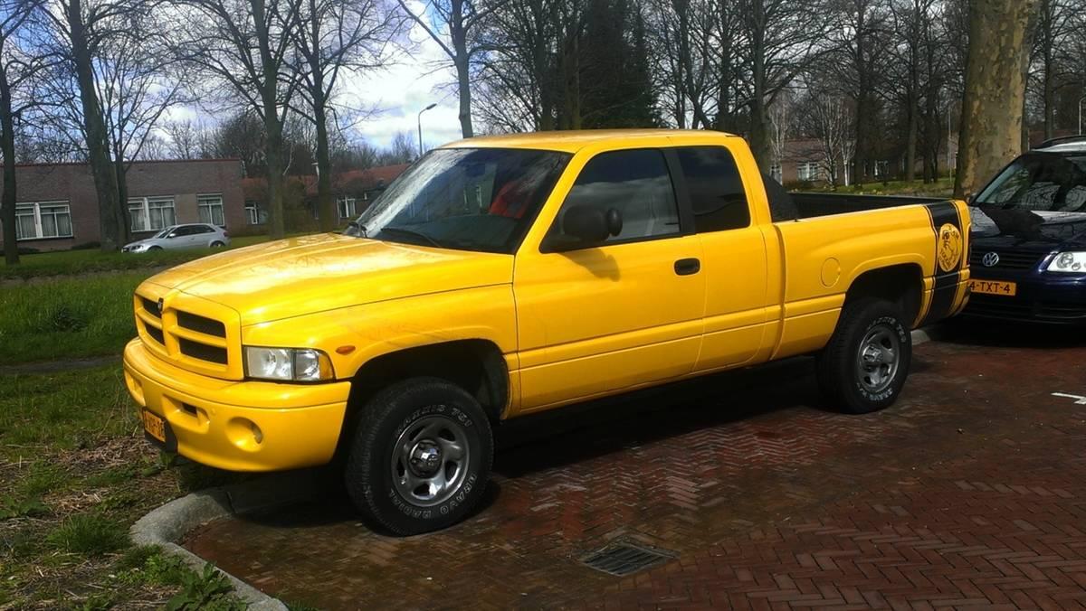 1994- Dodge Ram