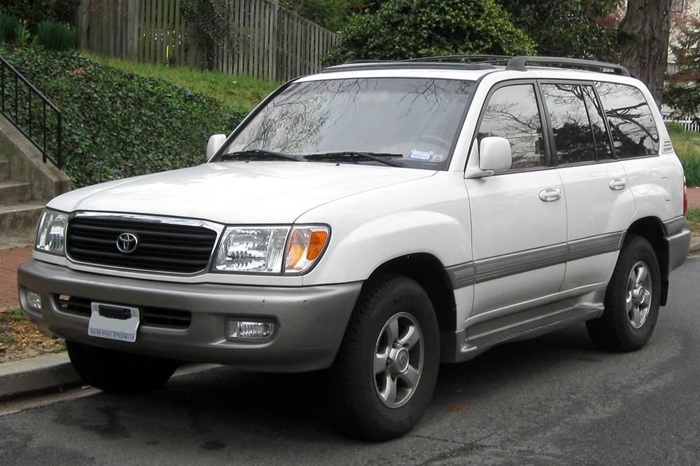 Toyota Land Cruiser J100 V8