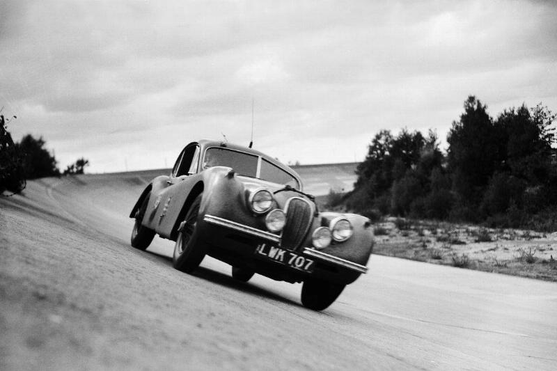The Jaguar Xk120 Roadster Monthleru In 1952