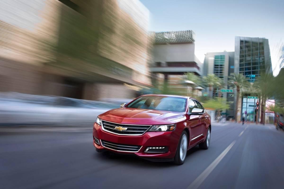 2018-Chevrolet-Impala-LTZ-004