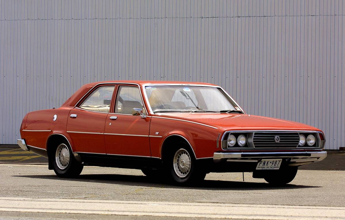 John Beattie's 1973 Leyland P76 Executive, 22 October 2001. THE AGE Picture by